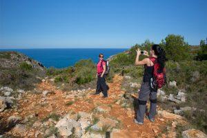 El senderismo es una de las actividades perfectas para practicar en Xàbia