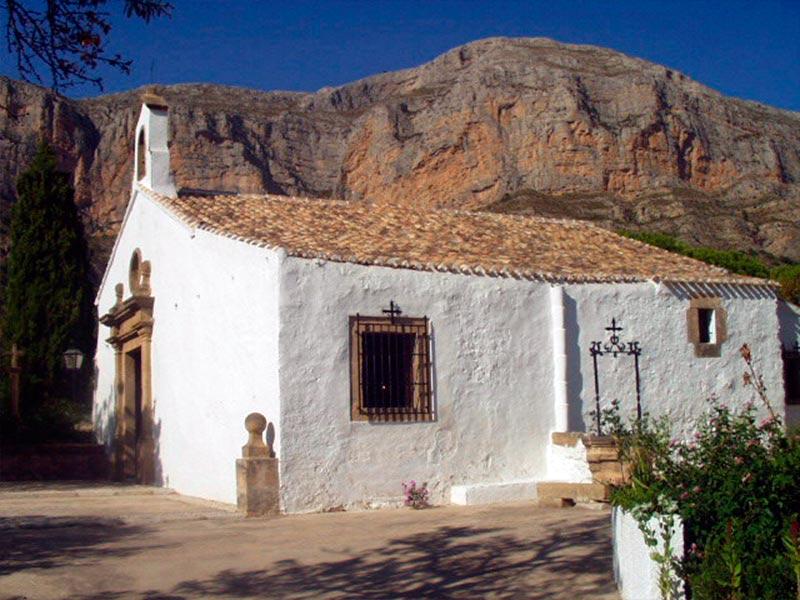 Ermita cerca del Montgó